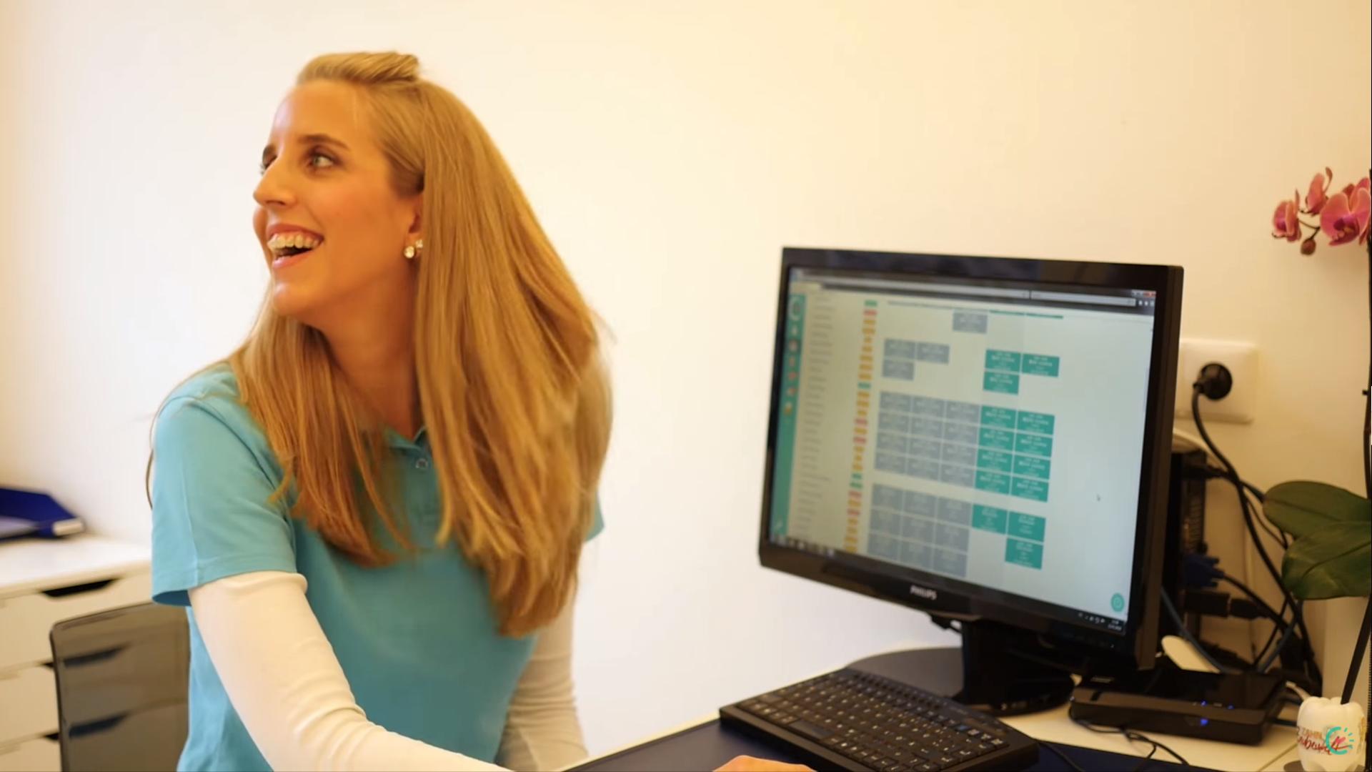 Gestión de horario de trabajo flexible para 3 clínicas dentales